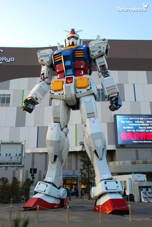 Gundam Gigante de día.